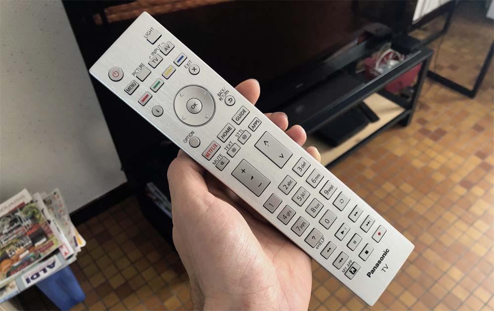 Panasonic TX-65GZ2000 telecomando